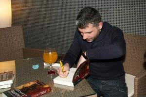 Entrevistamos a Enrique Mariño, autor de «Las crónicas del bien y del mal»
