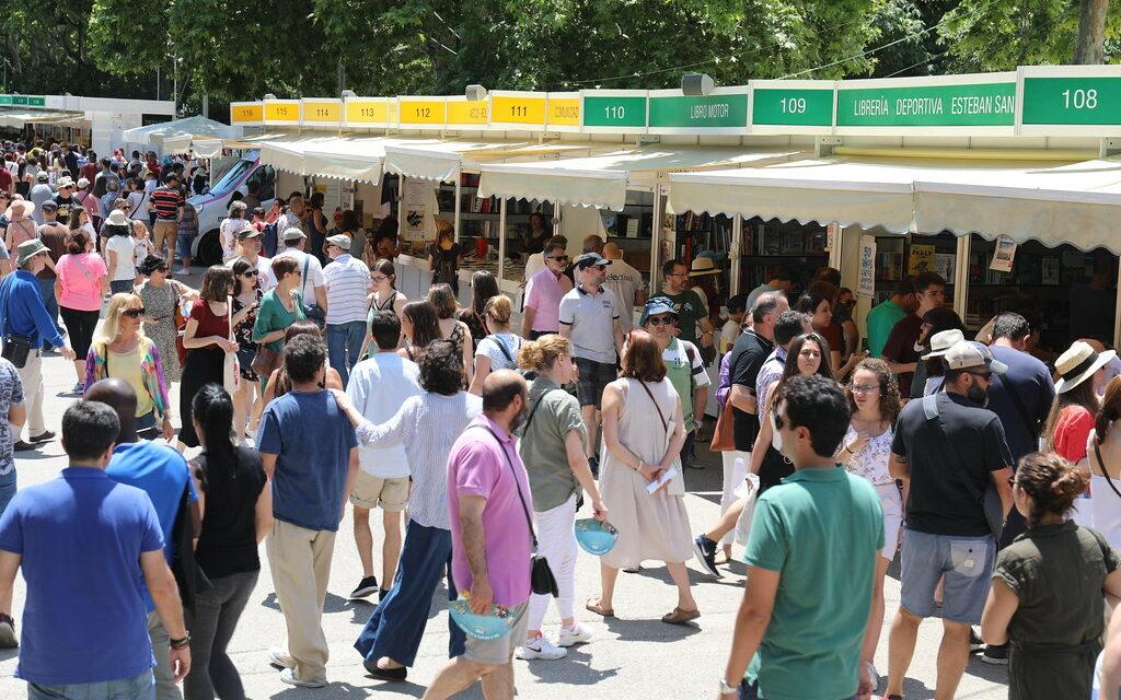 """Madrid blinda la celebración de la Feria del Libro en El Retiro, al declararla """"de especial significación ciudadana y de interés general"""""""