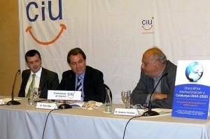 Artur Mas y Carles Llorens publican en Bubok el libro «Una política internacional per a Catalunya (2010-2020)»