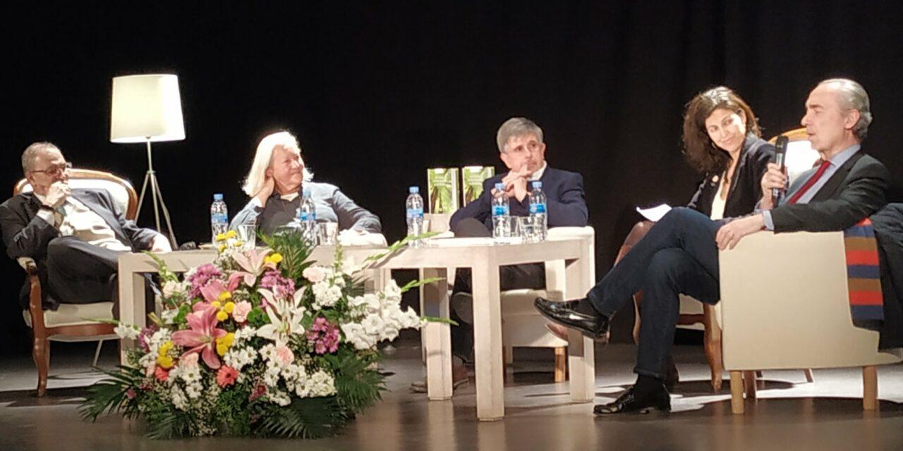 Homenaje a Juan de Isasa en la presentación de su libro póstumo