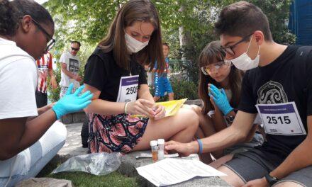 Los alumnos de La Inmaculada-Marillac se divierten con la Yincana del Concurso Escolar de Lectura en el Parque de Atracciones