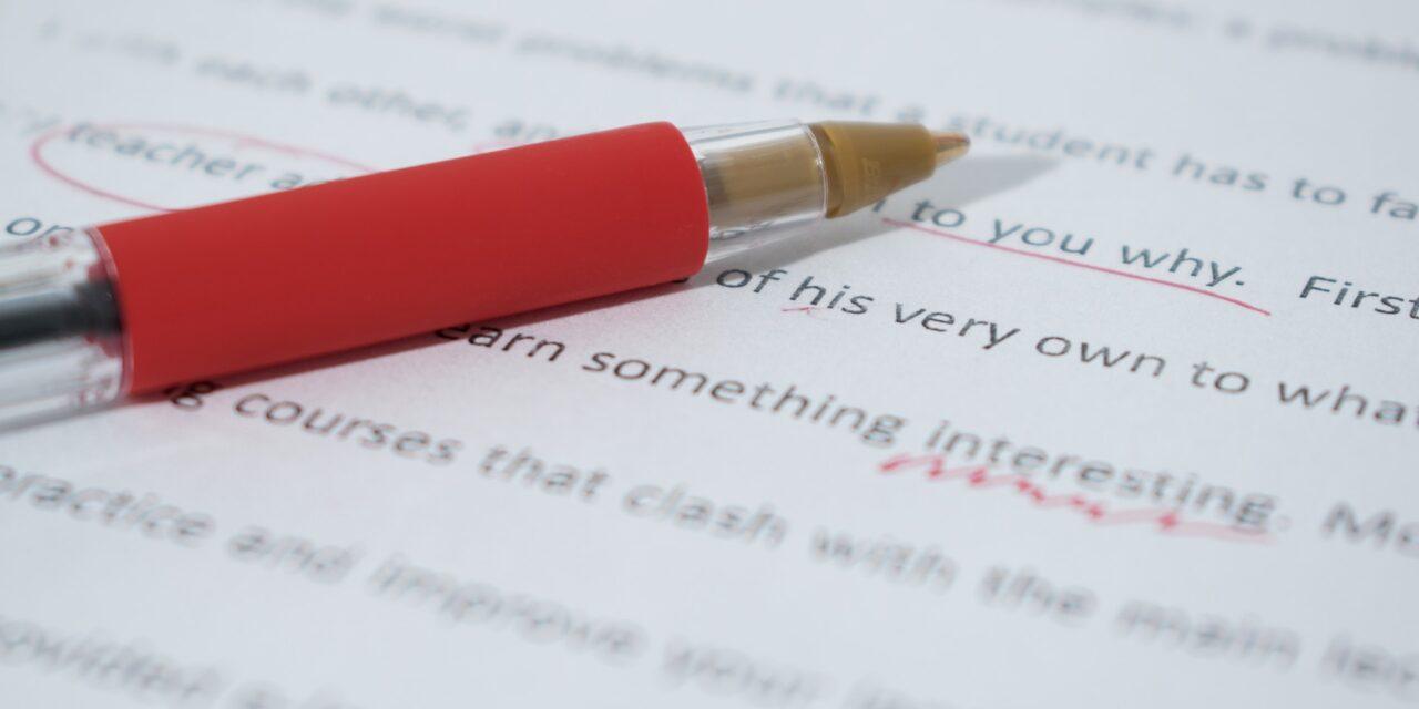 Edición y corrección editorial: diferencias de servicios