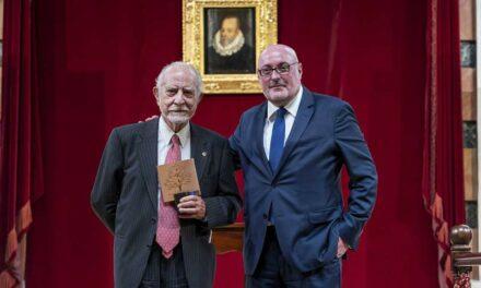 José María Merino recibe el Premio CEDRO 2021